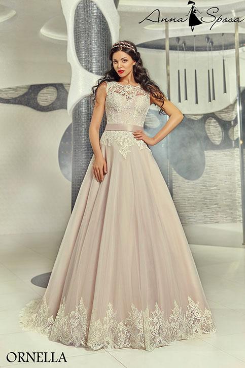 695eedb507d Цветные свадебные платья знаменитостей с фото