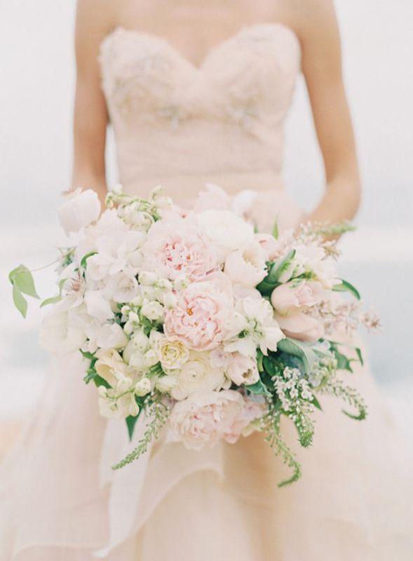 Веточками, свадебные букеты к платью айвори