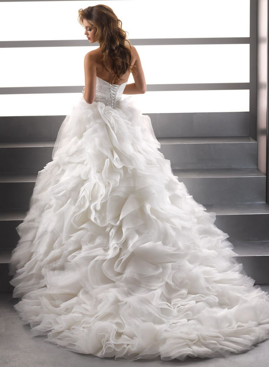 Платья свадебные длинные пышные фото 6