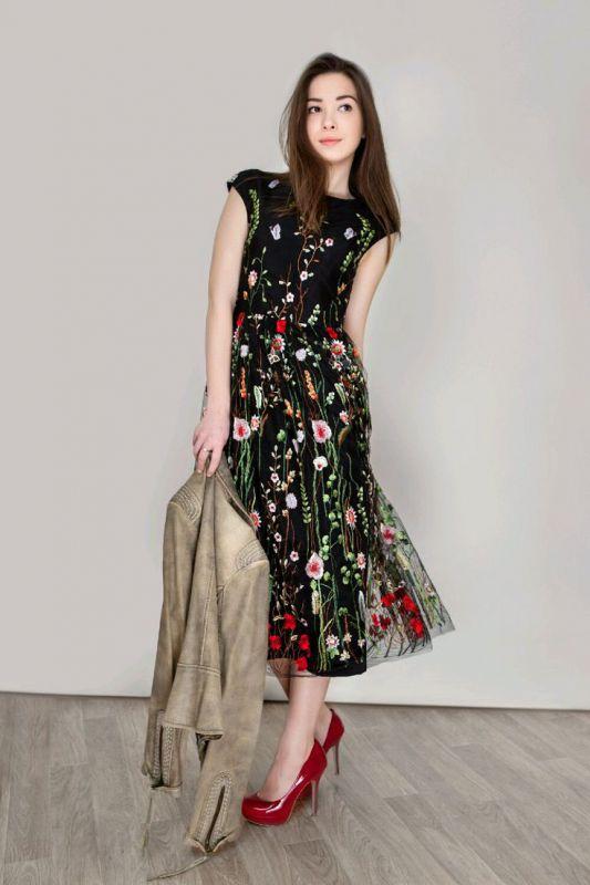 Платье с вышивкой на сетке 15