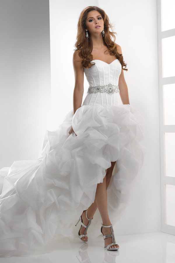 Свадебное платье короткое спереди сзади шлейф